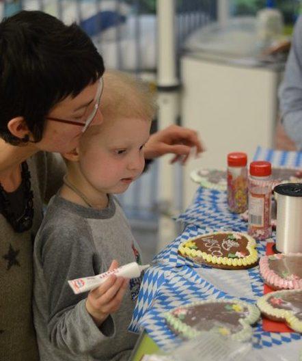 Mentorenprojekt Lebkuchenherzen Elterninitiative krebskranker Kinder Erlangen e.V.