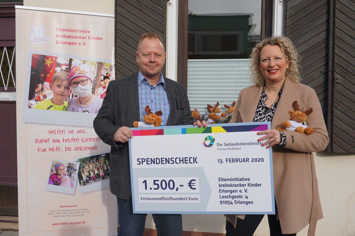 """5.500 Euro Spenden durch Plüschelch """"Gebbi"""""""
