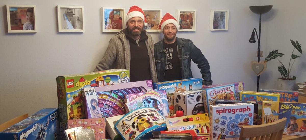 Weihnachtsgeschenke für die Kinderkrebsstation