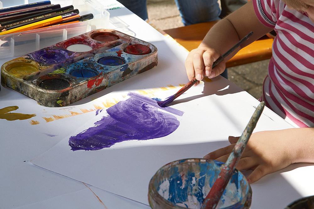 Malen am Sommerfest Elterninitiative krebskranker Kinder Erlangen e.V.