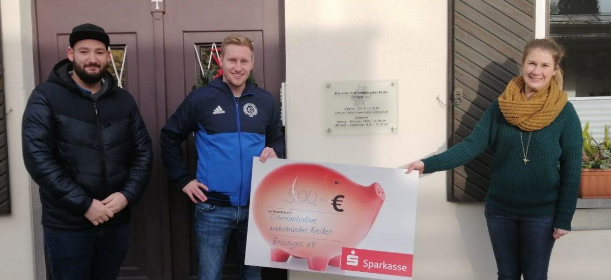 Hammerbacher Sportverein und Vollreinigung Möhrenschlager spenden 500 Euro